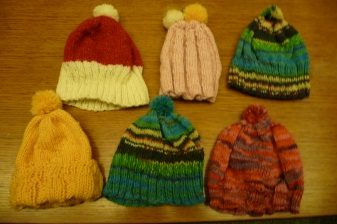 ドイツの毛糸で編んだ子供の帽子